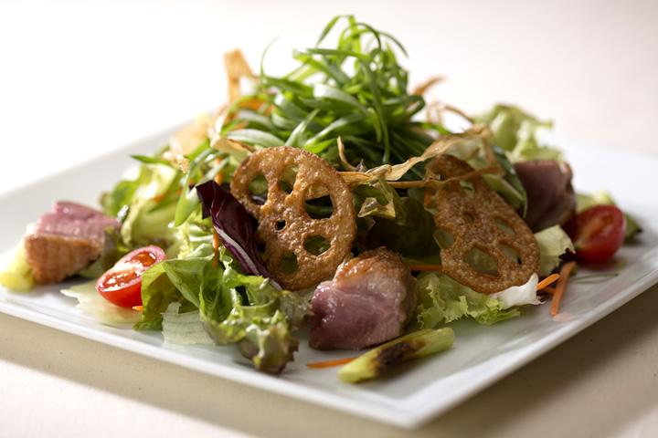 ディナー_九条葱と鴨スモークのサラダ